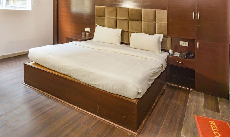 Executive Room with Breakfast in Sector 15, Noida