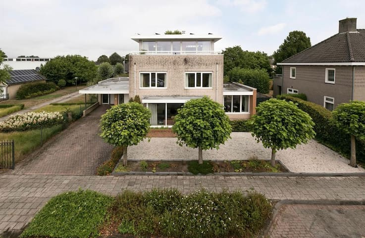 Beautifull luxurious house near Eindhoven(airport)