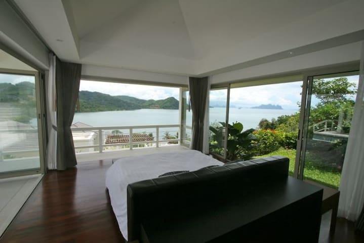 The Estate Beachfront, Ao Po Marina, Phuket - Hus