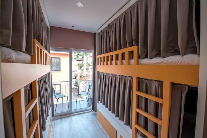 her odanın balkon manzarası ayrı, balkon sefası ayrı...