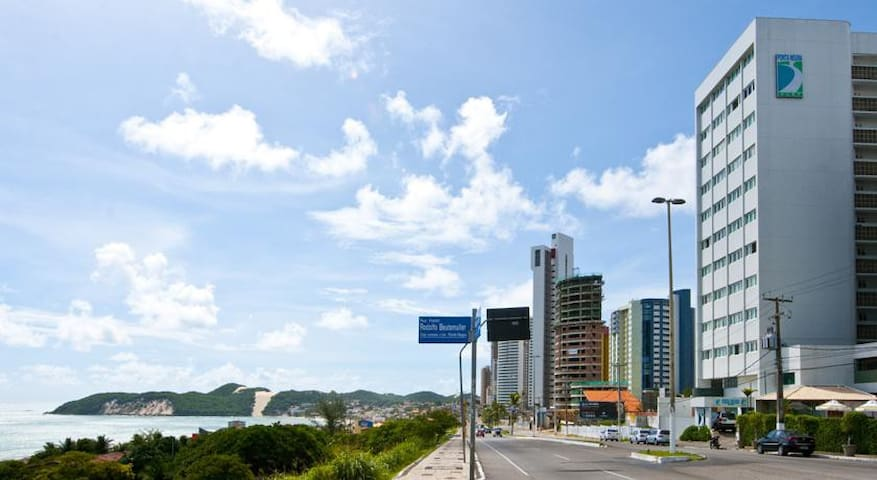 Localizaçao no centro da praia.