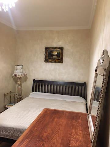 A cozy room in antique beautiful house in Baošići