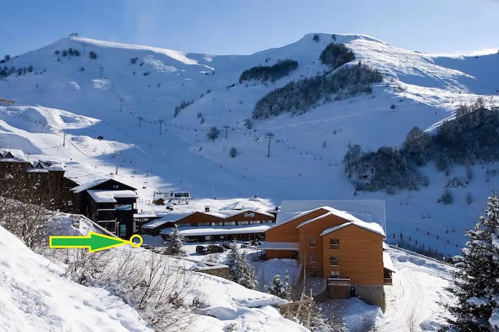 GUZET:   Les Pyrénées !  T2 pour 4,  pistes à 50 m
