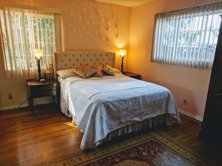 Comfortable Room in Los Angeles