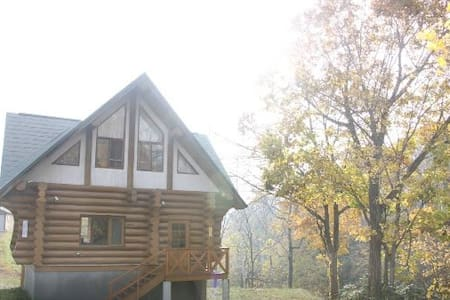 2 bedroom cottage with forest and creek in Niseko - Kutchan-chō - Hus