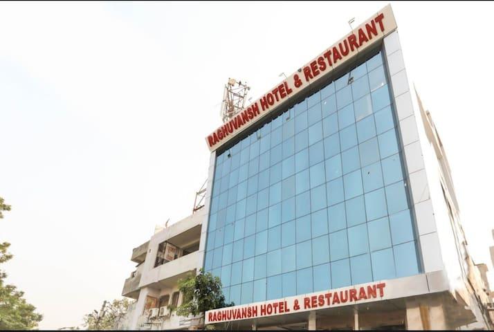 3Star Hotel Raghuvansh Double Room 7