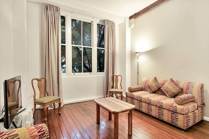 Self Catering Pyrmont, by Darling Harbour - Pyrmont - Apartament