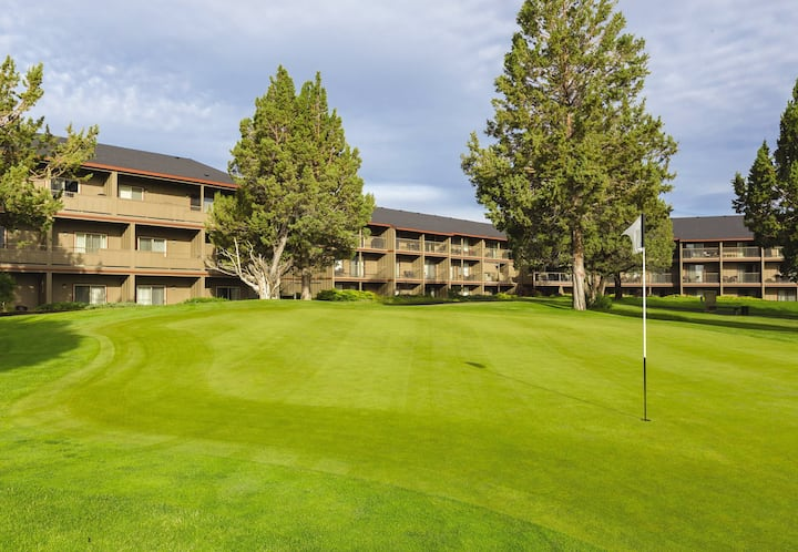 Eagle Crest, OR, 2 Bedroom Hotel Suite S #1