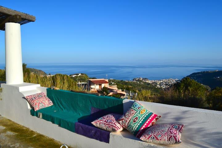 Le Formiche bivani con grande e panoramico patio