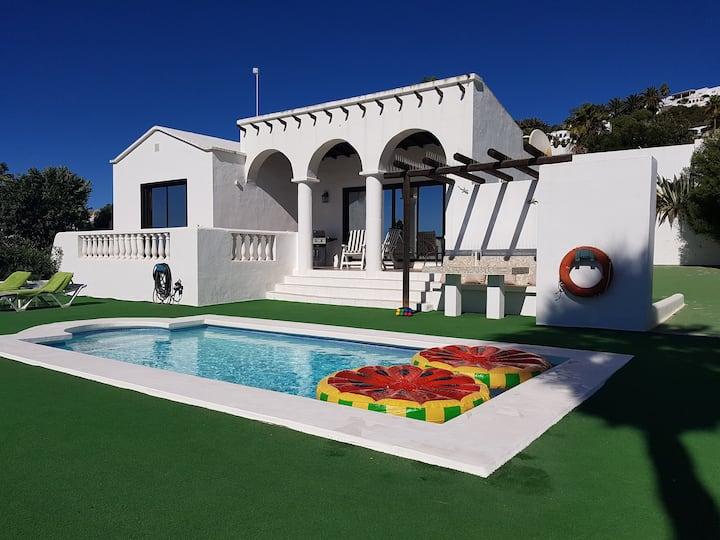 Private heated Pool, Infinity Views & Pure Heaven