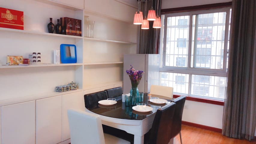 [Hxuan]温泉中心区整套三室两厅大床房