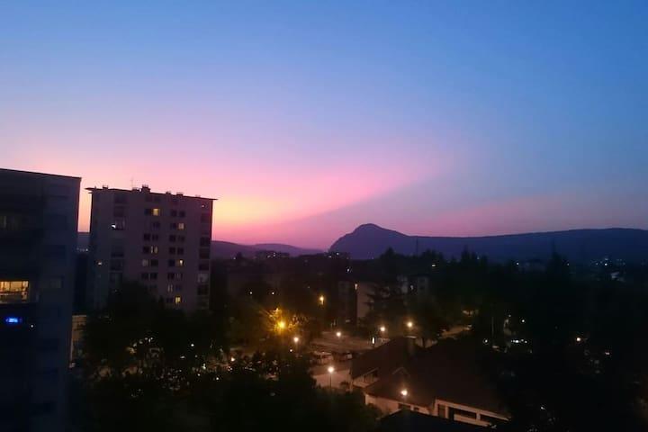 Balcon plein ouest, belle vue et très beaux couchers de soleil
