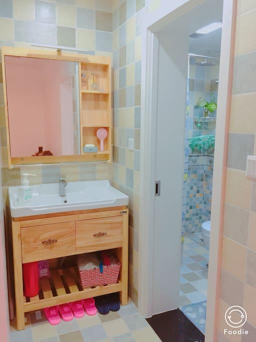 卫生间洗手盆干湿分离