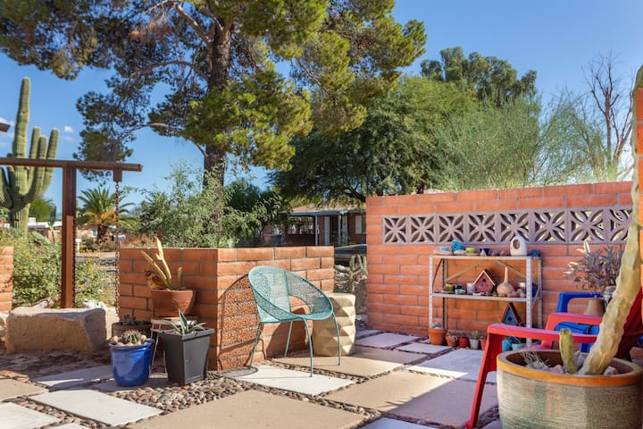 A Desert Oasis with Midtown Convenience
