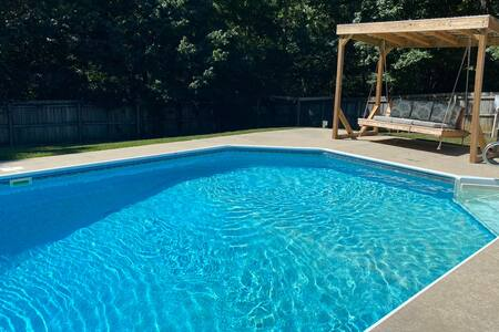 Benwood Poolhouse