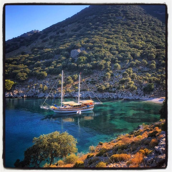 Gulet Cruises & Yacht Charters MUTLU KAPTAN