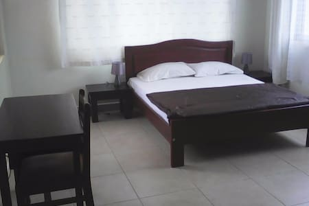 Private Room(Ensuite) in Modern Apartment Block - Kampala - Apartment