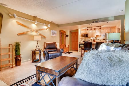 Ground Floor Ski-In Ski-Out and Walk to Town Condo