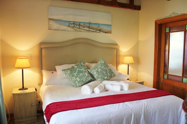 Disa Cottage, whale watching on your doorstep! - Hermanus - Appartement