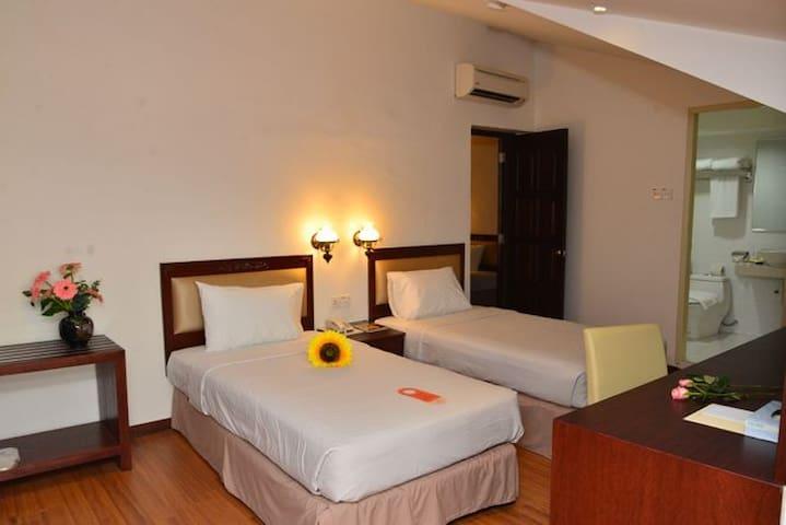 101 Cheng Ho Residence (Jongker Street) 2S2