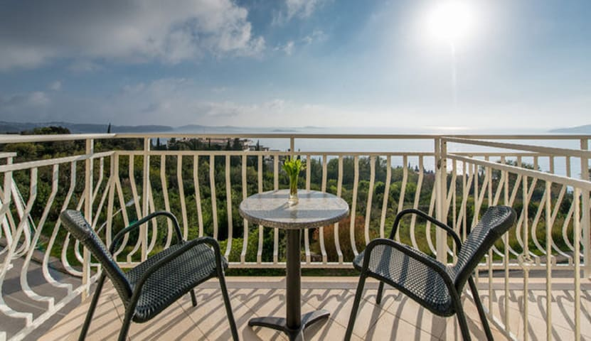 Villa Samba - Room with Balcony and Sea View - Plat - 獨棟