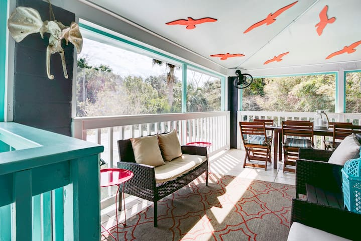 Beach Chic in the Heart of Tybee - Tybee Island - Huis
