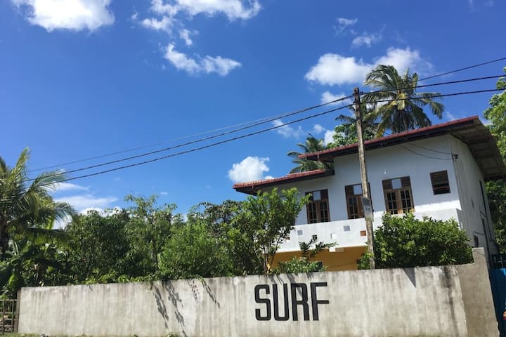 Surf Lodge Midigama