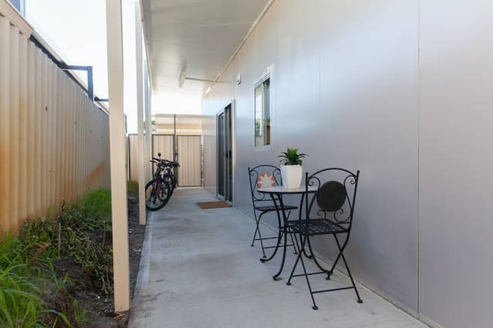 Cheap accommodation furnished - Parkwood - Haus