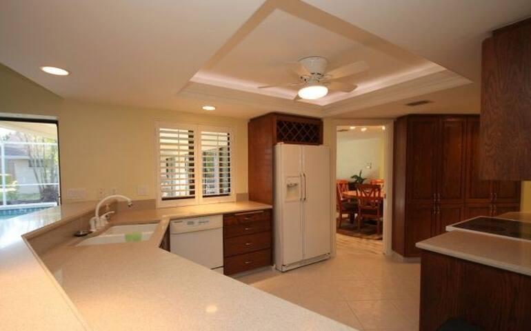4 bedroom home in Historic Franklin, TN - Mount Juliet