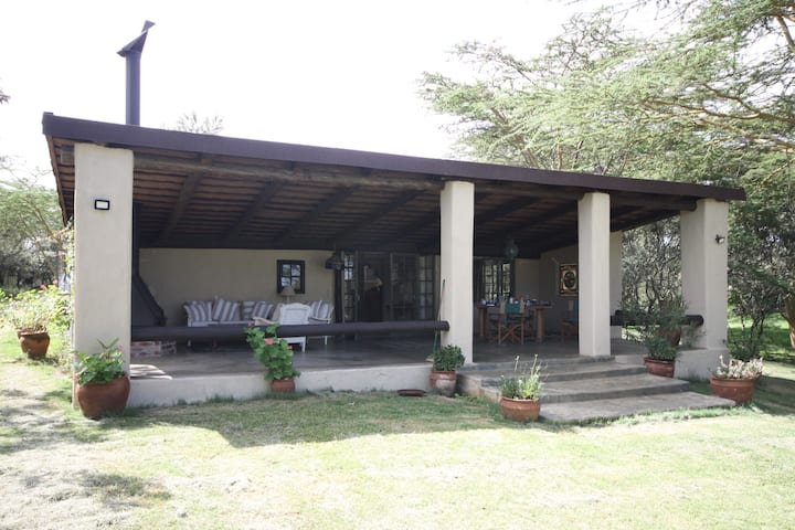 Beautiful, quite , cosy 2 bedroom Naivasha Cottage