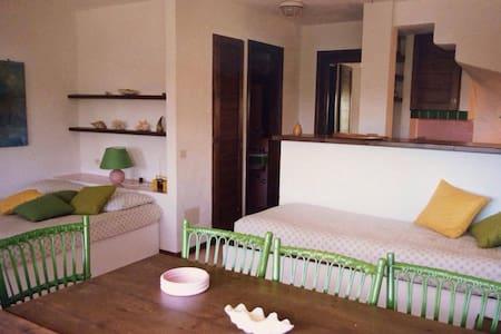 Appartamento 50 mt dal mare - Loiri Porto San Paolo - Apartemen