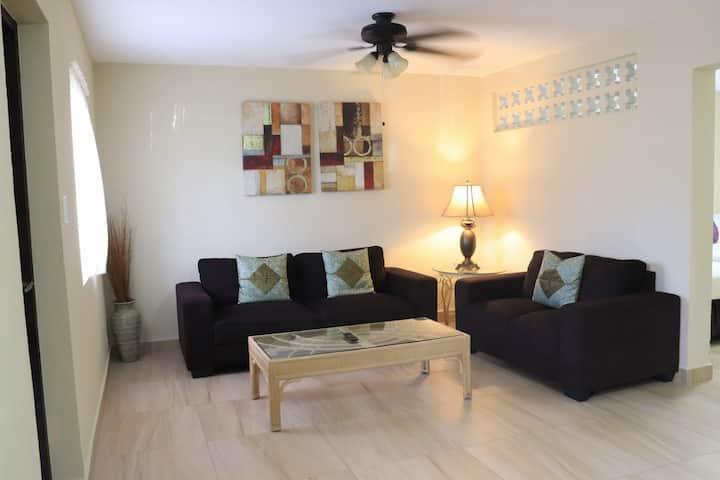 ~Beach Front~ Ocean Villa - 1 Bedroom - Unit 101
