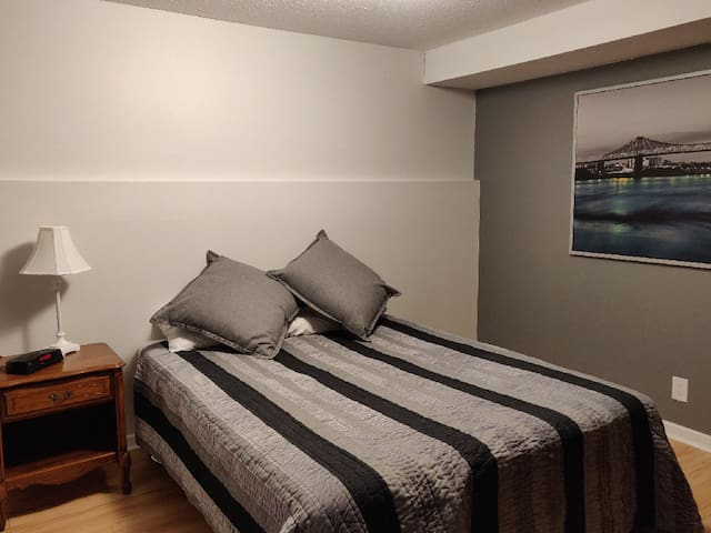 Entire Private Suite - Home Away From Home