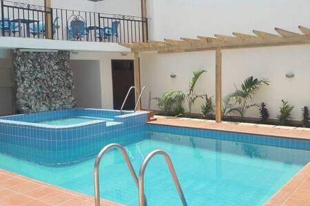 Serviced room in Residence* - Accra - 独立屋