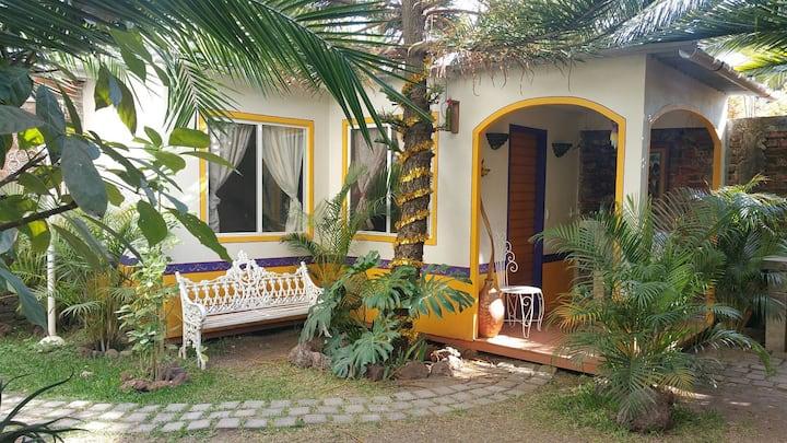 """La Pequeña Cabaña en el Jardin: """"LOS GIRASOLES"""""""