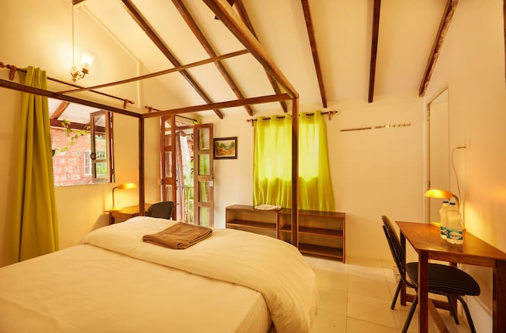Luxury garden cottage with A/C in Agonda beach
