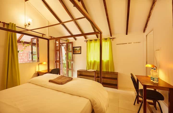 Luxury garden cottage with A/C in Agonda beach