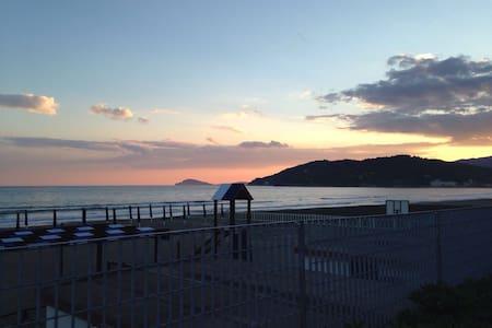 100m dal mare, tra Roma, Napoli, isole, terme15km - Minturno - อพาร์ทเมนท์