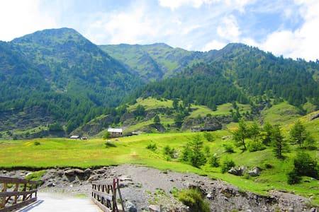Huis in mooi bergdorpje - Villar Pellice