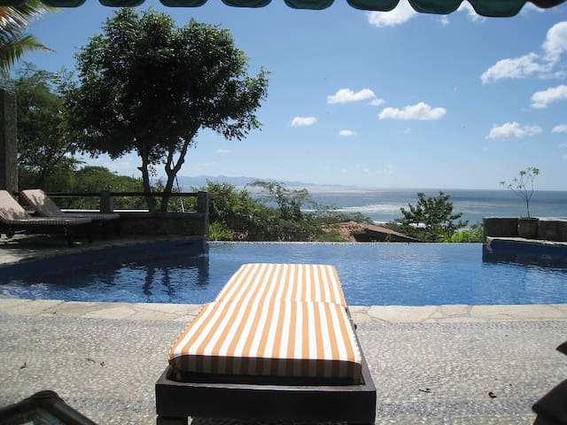 Breathtaking Ocean View from Amazing Infinity Pool - San Juan del Sur - Hus