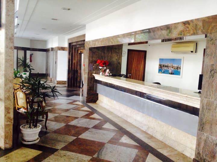 Apart hotel no bairro Ondina com camareira