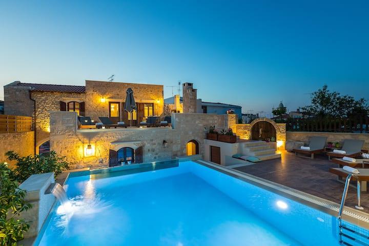Villa Rogdia with private pool, Atsipopoulo center