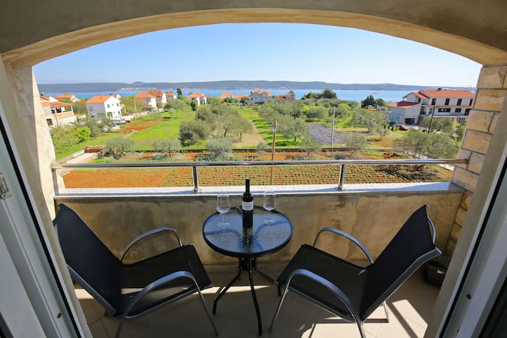 Apartment Nevidane Pasman, 200m from the sea