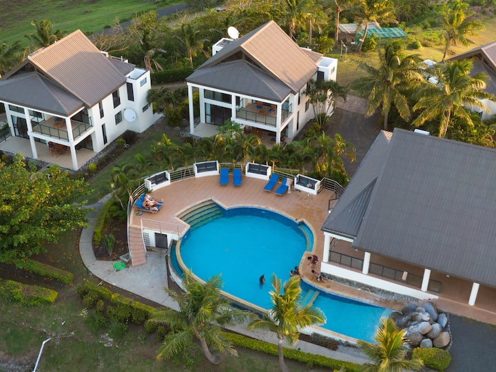 Dreamview Villa 1  Stunning Suncoast