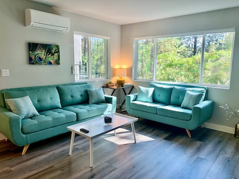 F Remodeled Modern Condo; 2 Exits to Snow Park