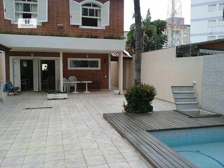 Casa Guarujá 4 quartos ,piscina e churrasqueira