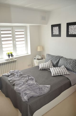Comfy & bright double bedroom for 1 or 2 guests