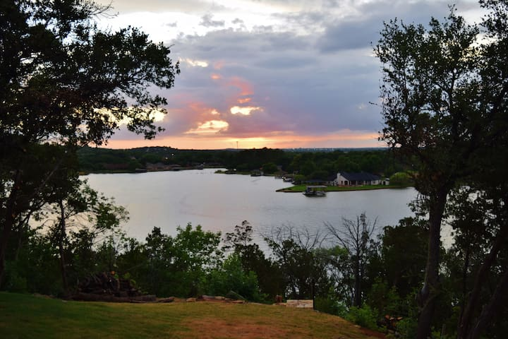 Water Front Lake House -Best View of Lake Granbury