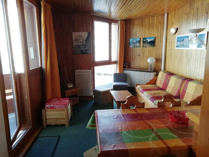 2 rooms flat for 4 persons in Tignes close to the slopes and to the shops in Le Lavachet area
