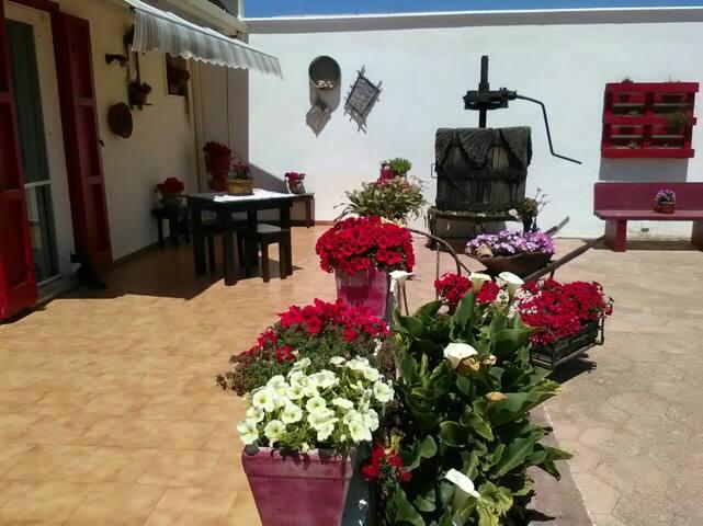 GALLIPOLI STANZA DEPANDANCE PRIVATA IN VILLA